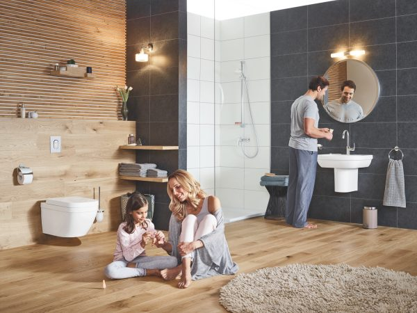 Zdjęcie GROHE Euro Ceramic – miska WC wisząca biała + deska wolnoopadająca 39328000 + 39330001 .