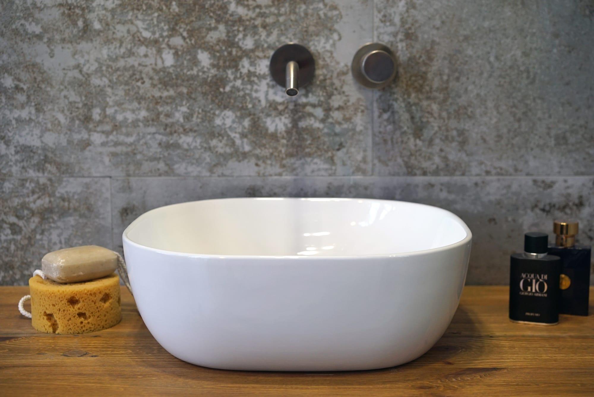 Umywalka nablatowa Aquahome Aukena 41x41x15 cm