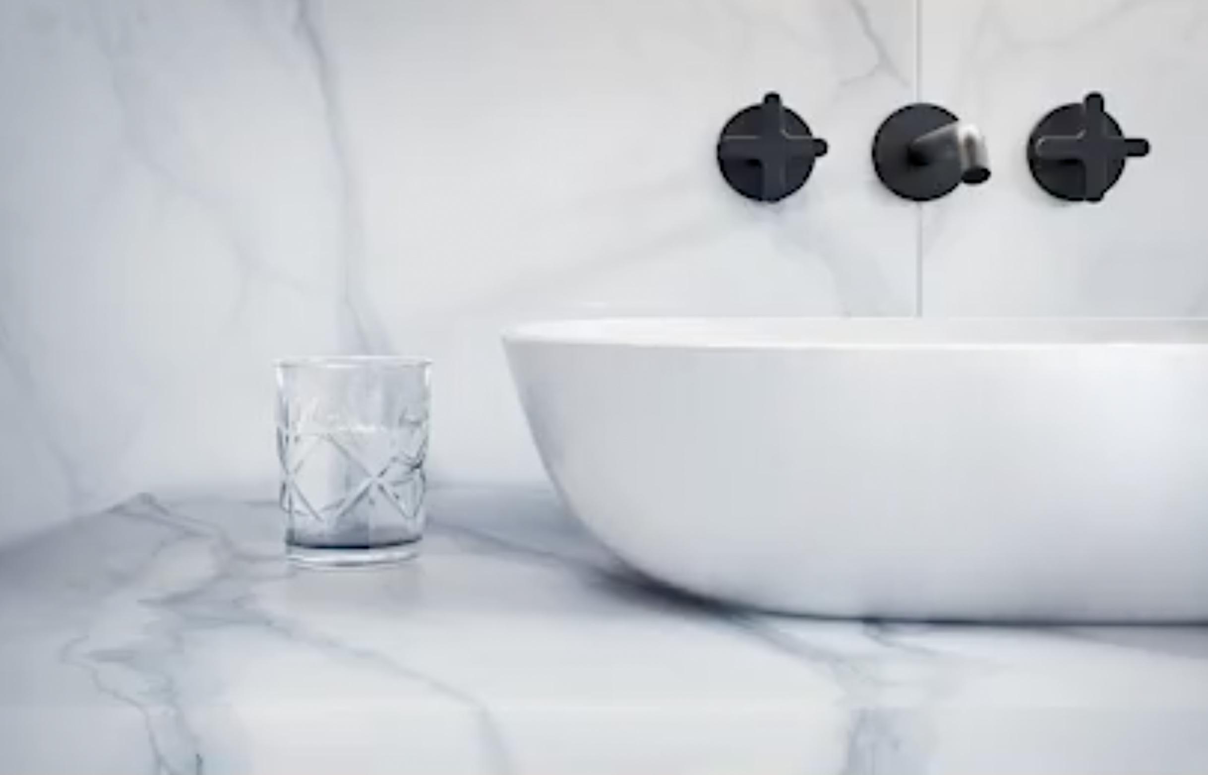 precyzyjne wykonanie armatury łazienkowej Marmite